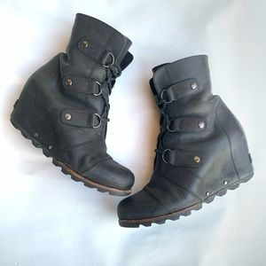 Sorel Joan of Arctic Wedge Mid Leather Boots 9